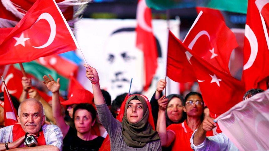 Nach zwei Jahren: Ausnahmezustand in der Türkei beendet https://t.co/dBZ6mOlfN8