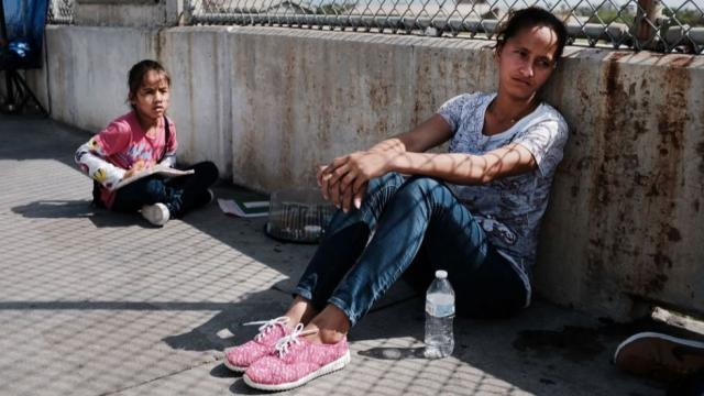 'With new immigration policy, Trump administration gutting the right to asylum' https://t.co/nrqUc9iYnL