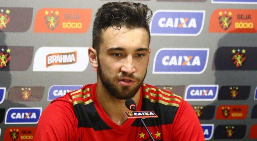 Zagueiro Léo Ortiz lamenta resultado em função do desempenho https://t.co/X4CvL3Ojta