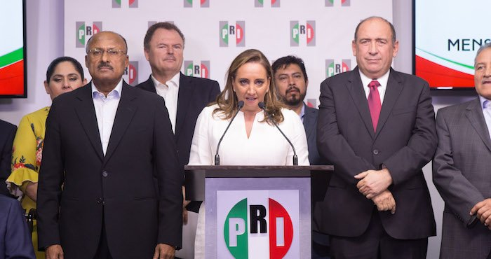 """Vamos a levantarnos"", dice Claudia Ruiz Massieu y asume la dirigencia nacional del PRI https://t.co/5paPMWmjMQ"