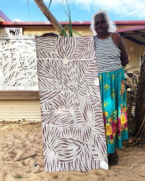 Dhuwarrwarr Marika was the first woman to paint sacred designs in North east Arnhemland by permission of her father Mawalan Marika in 1981. Still going strong. #australiancontemporaryart #contemporaryart #yolngupower #art #painting #artist #aborginalart … https://ift.tt/2NpPYWcpic.twitter.com/PlyMBzjOIX