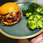 #dinner @hellofresh Crispy Cheddar Frico Cheeseburgers with caramelized Orion jam & roasted broccoli. #itsinthebag #hellofreshpics #plattingskills #mealkits