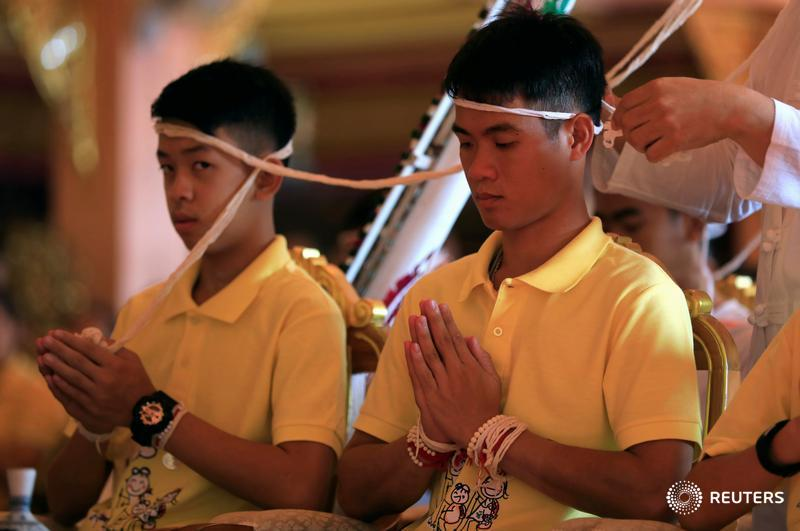 Thailand's rescued cave boys woke up in their own homes for the first time in more than three weeks https://reut.rs/2uBoc1K