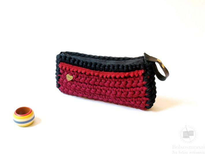 #BolsoDeMano de tela reciclada #modasostenible respetando el medio ambiente #Hechoamano modelos únicos #tiendaonline #bolsosmonai #boho #Artesanía #bags #ecofashion bolsosmonai.es