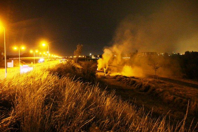 Vannacht een bermbrandje langs de Wippolderlaan nabij het BP tankstation wat door de brandweer is geblust. https://t.co/OMKmOrScKL