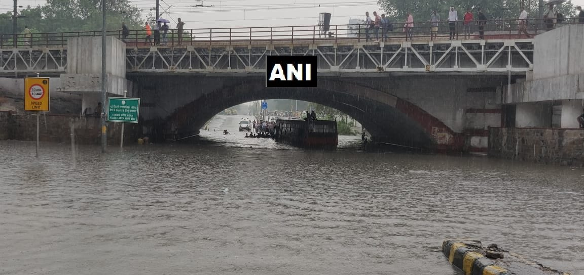 Daarubaaz Mehta A Twitter Pic 1 Minto Road In Delhi Submerged