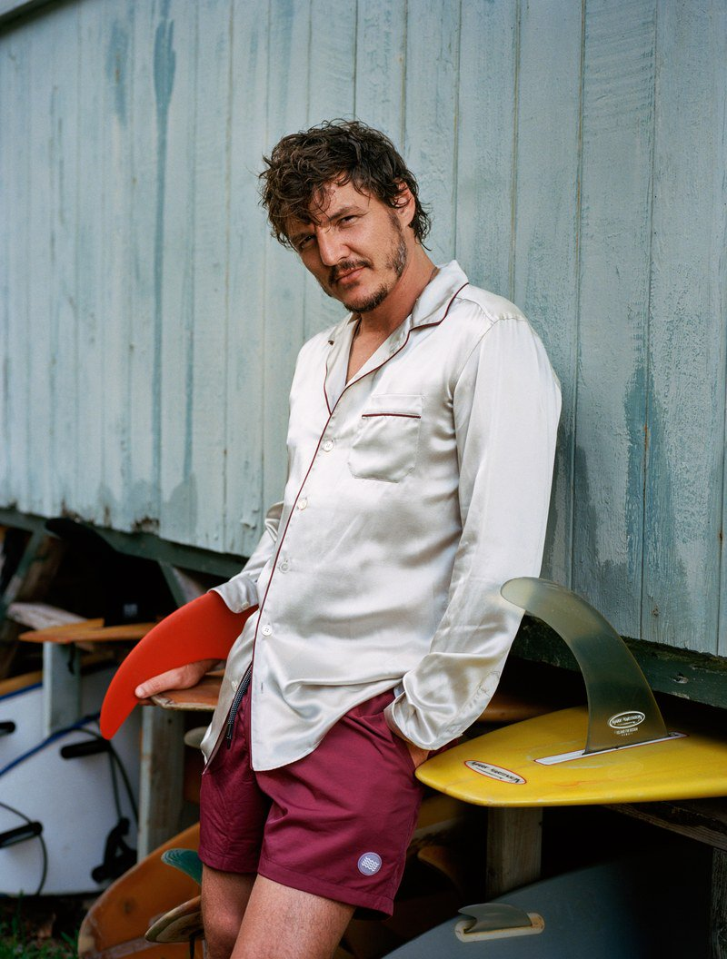 #GameofThrones and #TheEqualizer2 star @PedroPascal1 shows off the shorts of the summer https://t.co/ZBpUV7H9pi