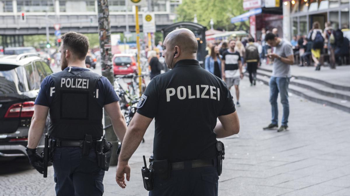 Berlin: Polizei gelingt Schlag gegen arabischen Clan https://t.co/jdvJ492525