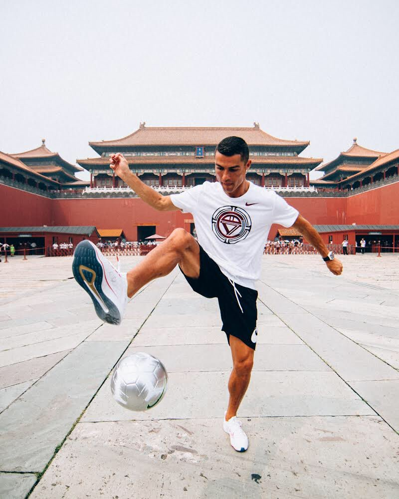 Excited to be back in China! Ready to inspire the future of football 🇨🇳 ⚽️  #NikeFootball #CR7 #CR7Tour