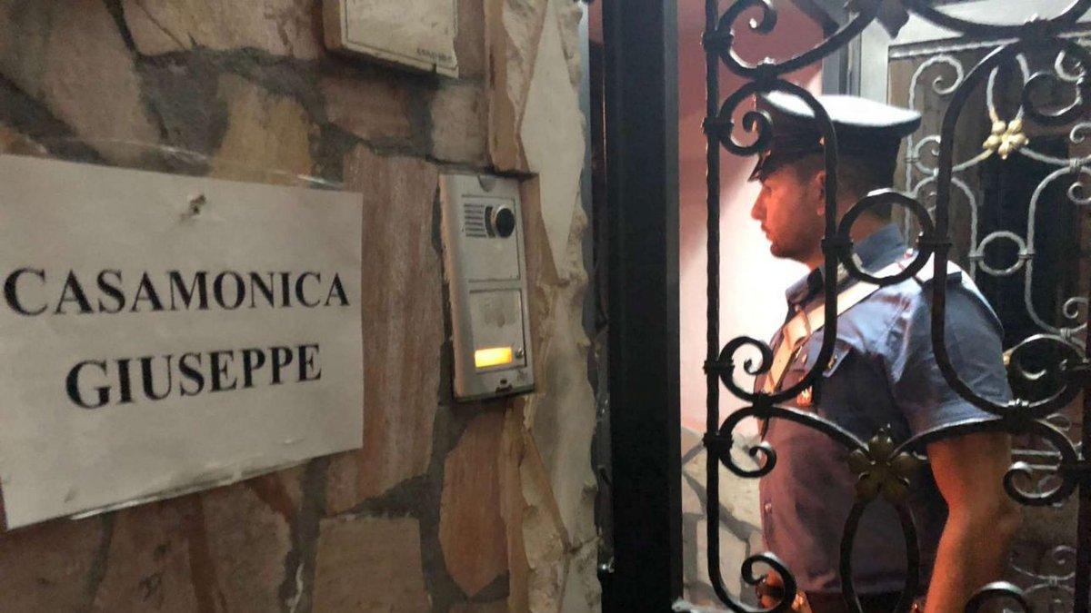 Mafia Roma, blitz Casamonica: altri due arresti, sono figli dei boss #clancasamonica https://t.co/ouYoiNebXM