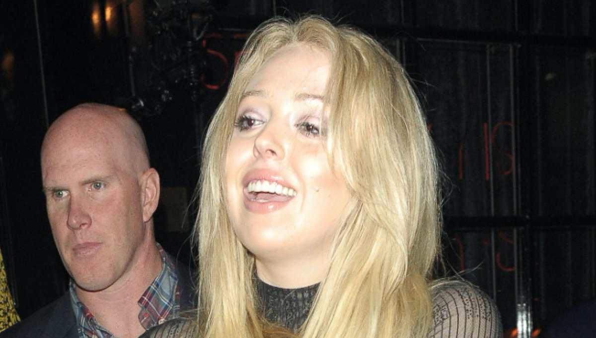 Tiffany Trump looks worse for wear as she leaves London bar with mum in early hours https://t.co/dFZmJwc7G8