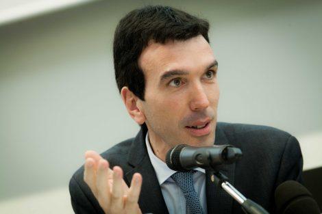 """Il segretario del Pd Martina a Palermo: """"Dobbiamo riavvicinarci ai bisogni della gente"""" - https://t.co/PH7nLSAbO1 #blogsicilianotizie"""