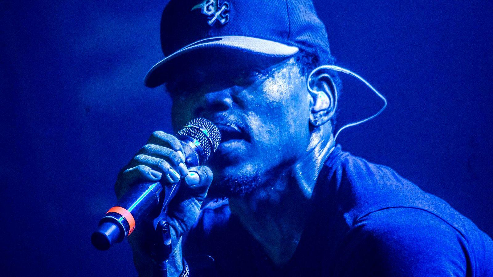 Chance The Rapper Clarifies He From Chicago https://t.co/CRWhDWxseq https://t.co/lSaDcvVPof
