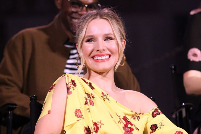 Kristen Bell celebrates birthday with breakfast in bed, raising money for charity