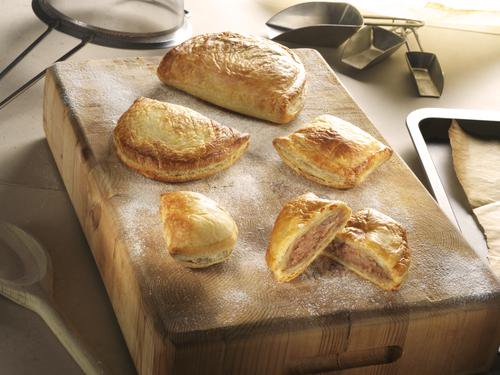 test Twitter Media - Our Corned Beef Pasties come in a range of sizes perfect for parties, buffets or a snack on the go! #cornedbeef #pasties #puffpastry #onthego #onthegosnack #buffet #partyfood https://t.co/cc7bRJG0Rg