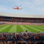 @BarendrechtnuNL - Ingezonden foto's: De #Feyenoord helikopter is zojuist geland in De Kuip #Rotterdam (https://t.co/kelBbrbfCZ) https://t.co/dgDIEPkBMr