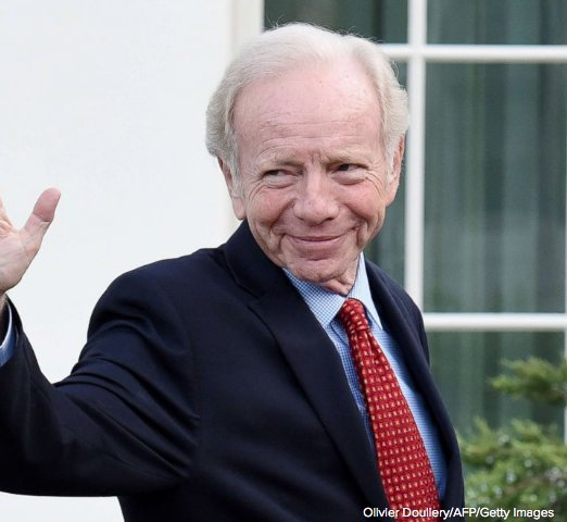 """Ahead in #HotTopics: Joe Lieberman urges New Yorkers to vote for longtime Democratic incumbent Joe Crowley over progressive Alexandria Ocasio-Cortez, saying her victory """"seems likely to hurt Congress, America and the Democratic Party.' Your reaction? https://t.co/FwlKr7IEDG"""