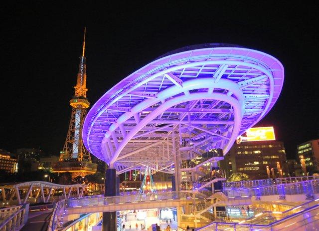 【新名所】名古屋「オアシス21」、写真映えが訪日客に人気 https://t.co/k46IGkO9lU  旅行サイトの調査で「夏のフォトジェニック観光スポット」の国内2位に。「夜景を撮りに行くべき」と評価が寄せられているという。