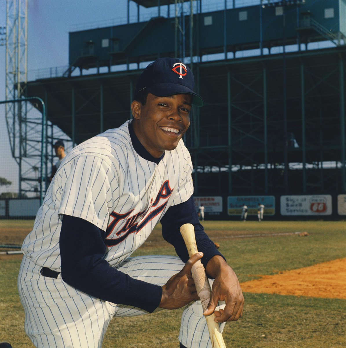 #OTD in 1987, we retired Rod Carew's #29!  RT for a chance to win Carew bobblehead. #MNTwins https://t.co/9AIGIcic3K