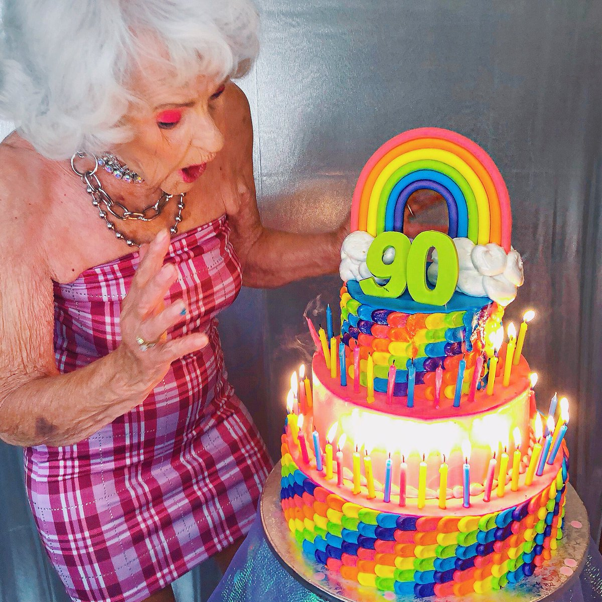 Baddiiiee On Twitter 90 Years Old