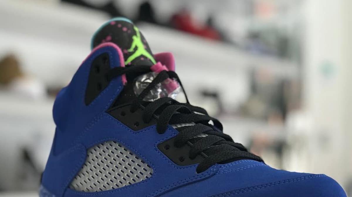 competitive price 1656b e2b45 SoleCollector.com on Twitter: