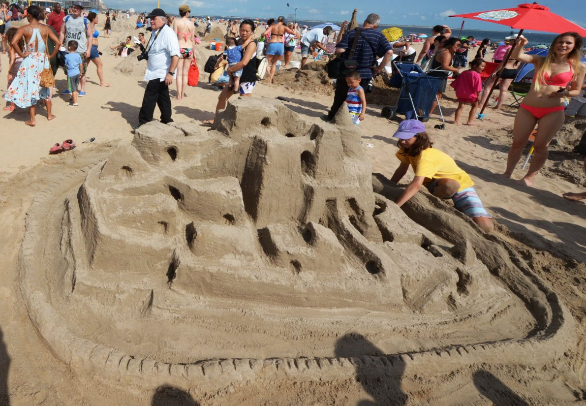 Do You Have What It Takes To Build The Best Sandcastle Bring Your Buckets And Tools Compete In Rockaways Annual Contest