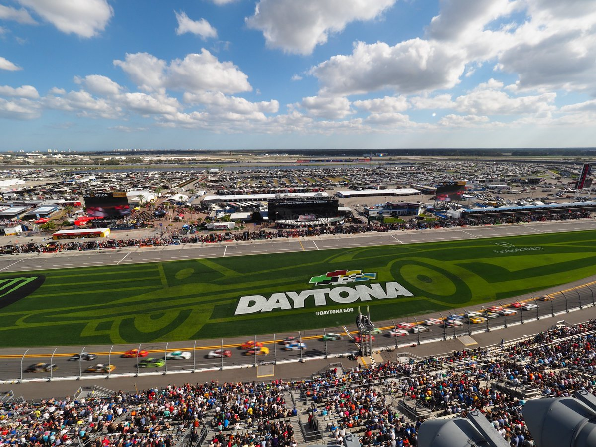 Already looking forward to next year! 😍  It's time to make those dreams of coming to DAYTONA into a reality! When will you start making your plans for 2019?