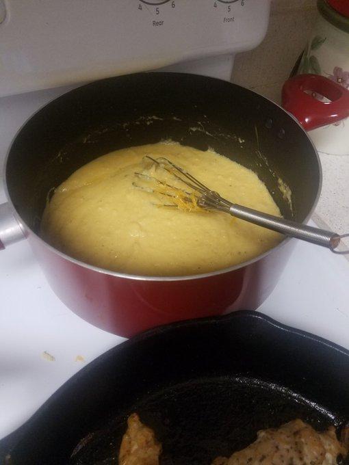 1 pic. Chicken,  onion pie and cheesy grits https://t.co/RtfHkgKgZ5