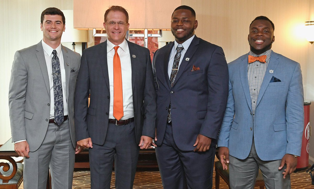 Great day at @SEC Media Days with @_Davis_Boy12, @russ_dont95 and @Jarrett_Stidham! Guys did a great job!   #WarEagle | #SECMD18 <br>http://pic.twitter.com/4ePFr3RAgh