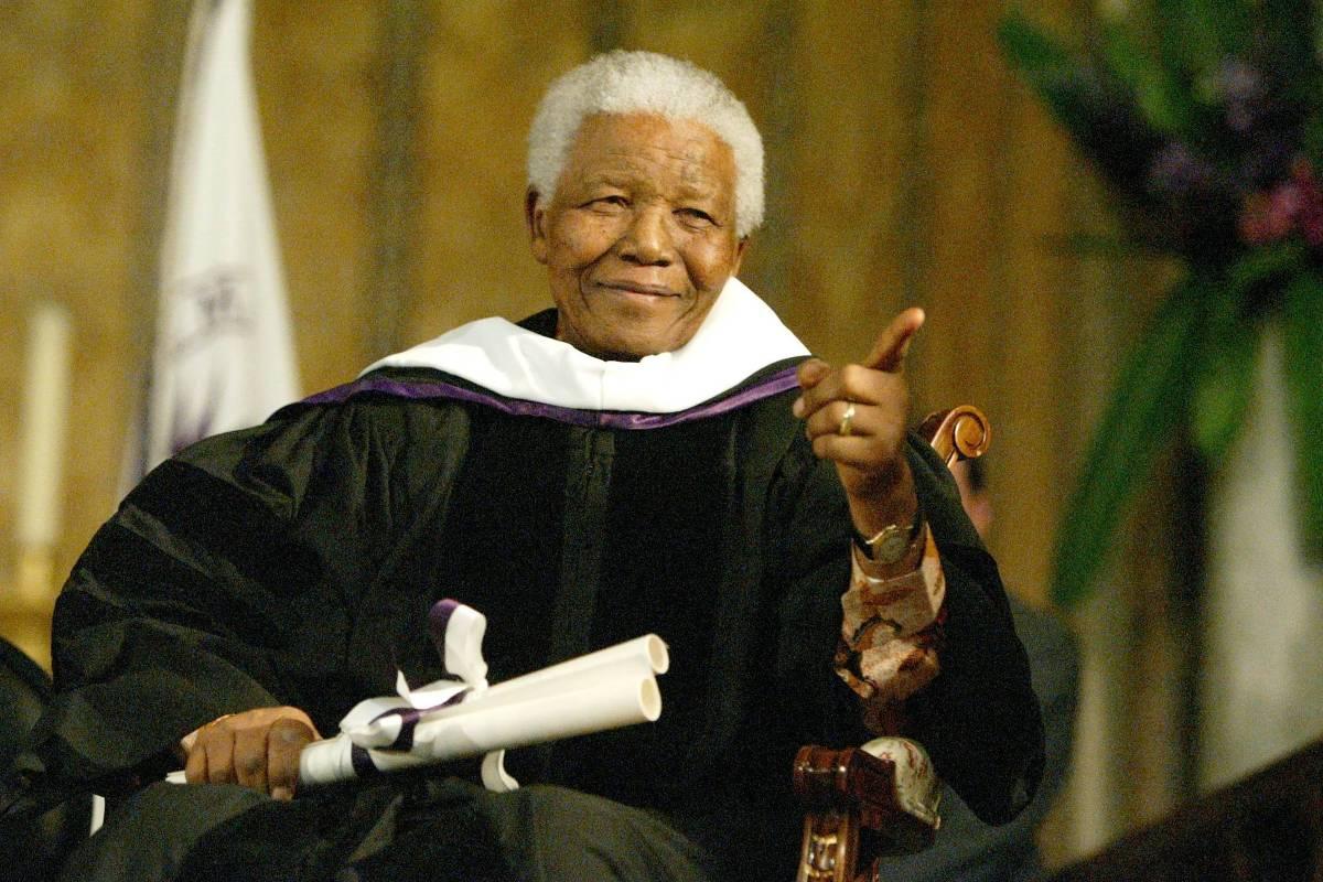 'Ameaça comunista' | Documentos mostram que EUA monitorou Mandela até 2008 trib.al/22vi1Sc