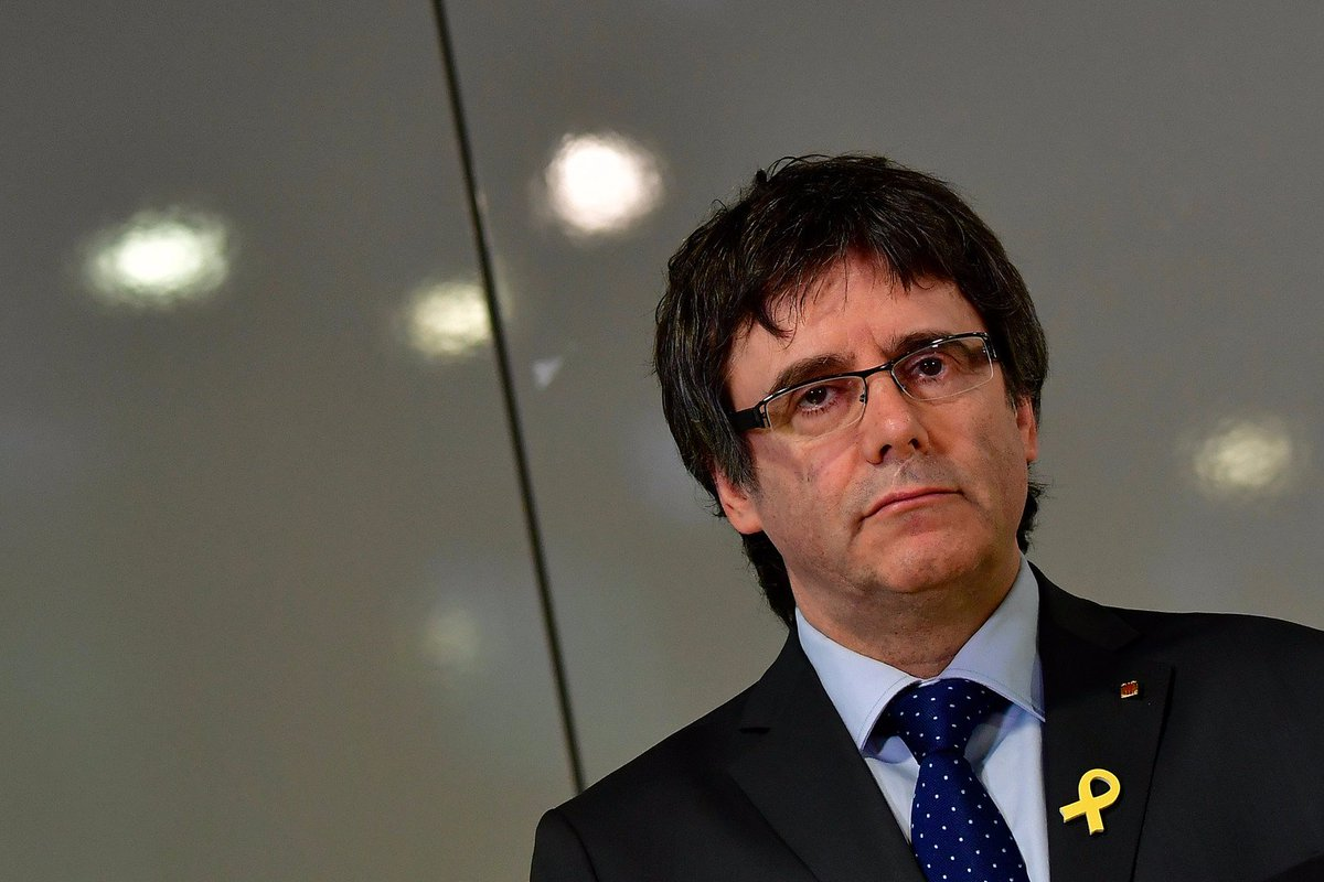 L'#Espagne 🇪🇸 retire le mandat d'arrêt international contre Carles #Puigdemont ➡️ https://t.co/bZXLs0kuvN