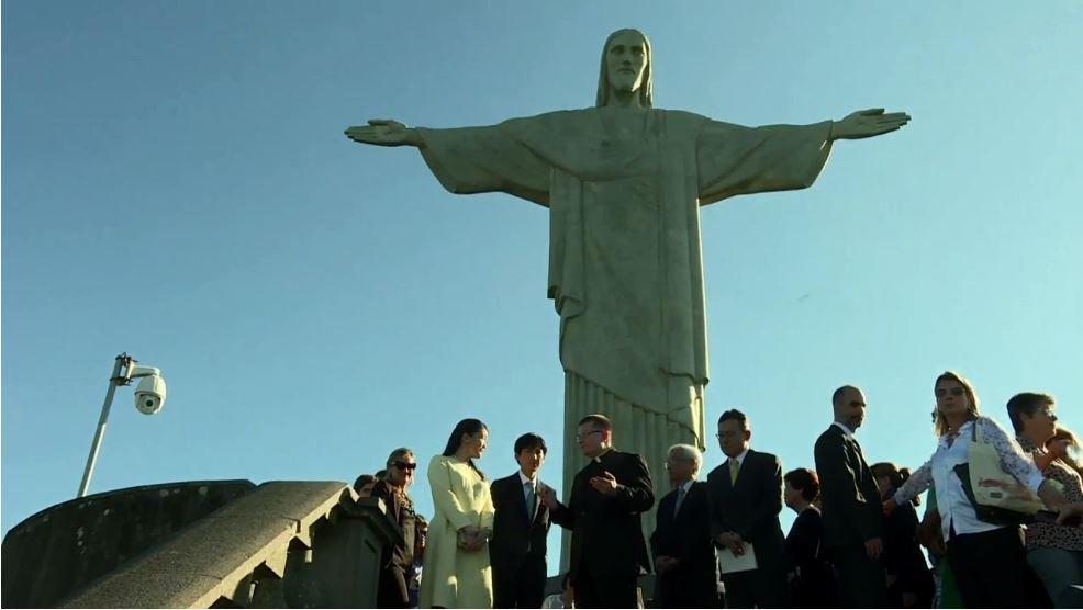 Princesa do Japão visita o Cristo Redentor https://t.co/EtMsKD2o5t