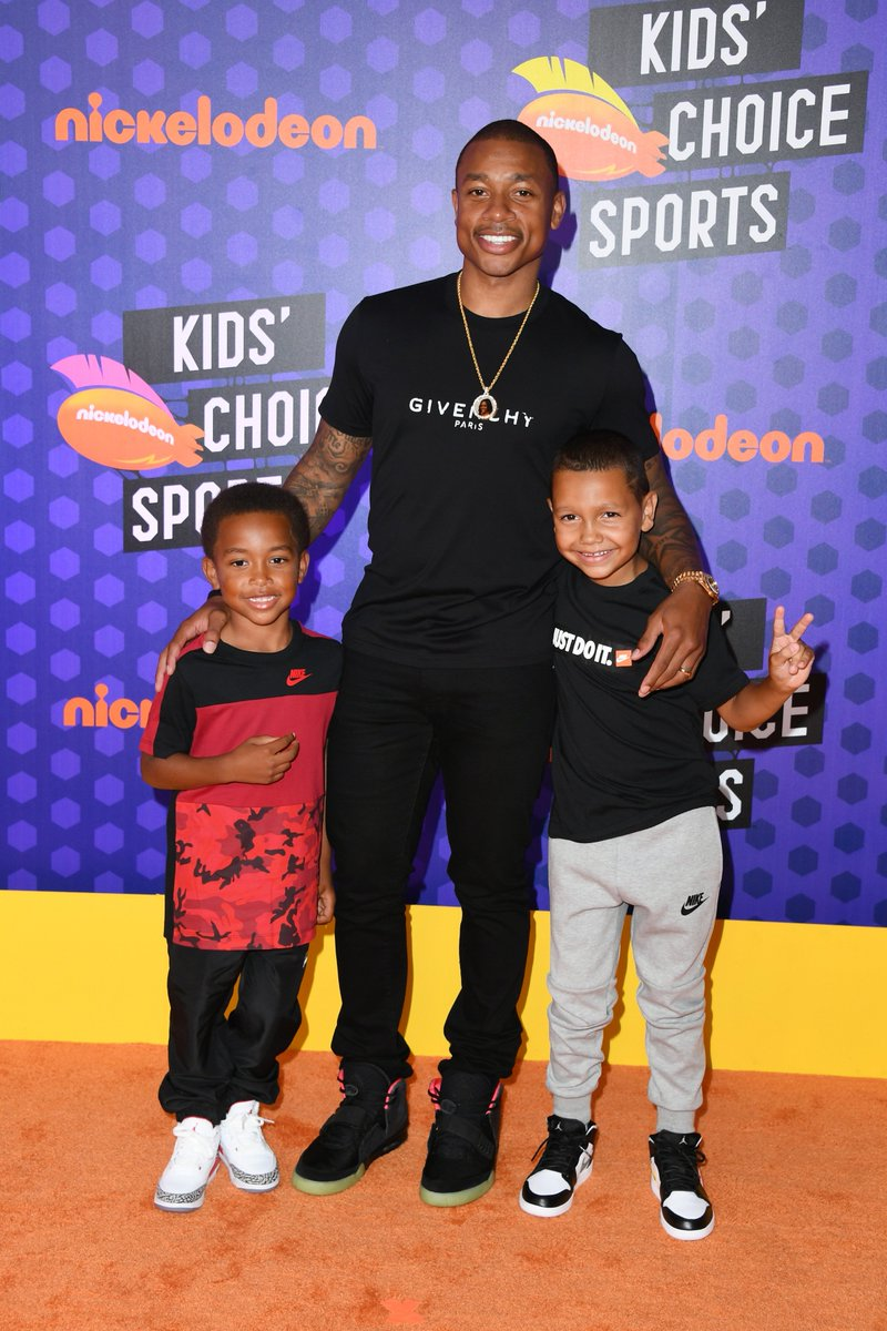 New Denver Nugget @isaiahthomas broke out 'Solar Red' Nike Air Yeezy 2s for Nickelodeon #KidsChoiceSports