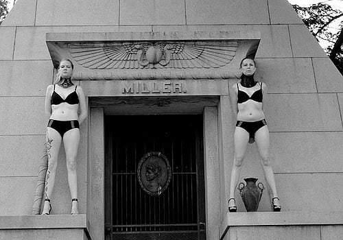 The guardians. #twins #cemetery #blackandwhite #RDG...