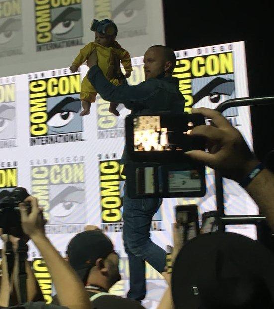 Aaron Paul's baby just shut down the cosplay game at #SDCC 👶 (via @MarkCSaun) #BreakingBad