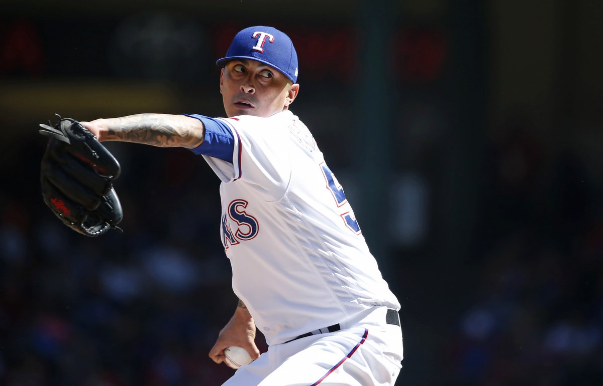 The #Cubs tonight acquired RHP Jesse Chavez from the Texas Rangers for minor league LHP Tyler Thomas.