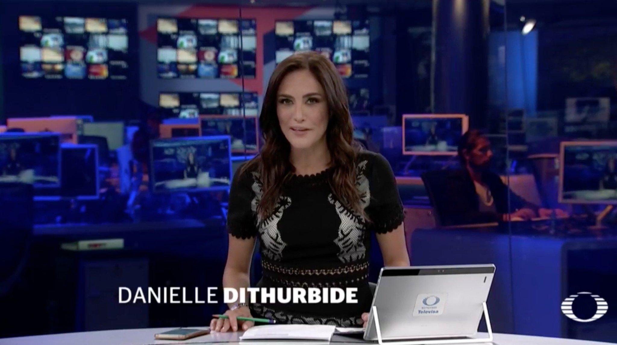 Ya inicia #EnPunto con @daniellemx_  por @Canal_Estrellas y en internet en: https://t.co/7rJJIX4IVs https://t.co/eF3ulB4gEb