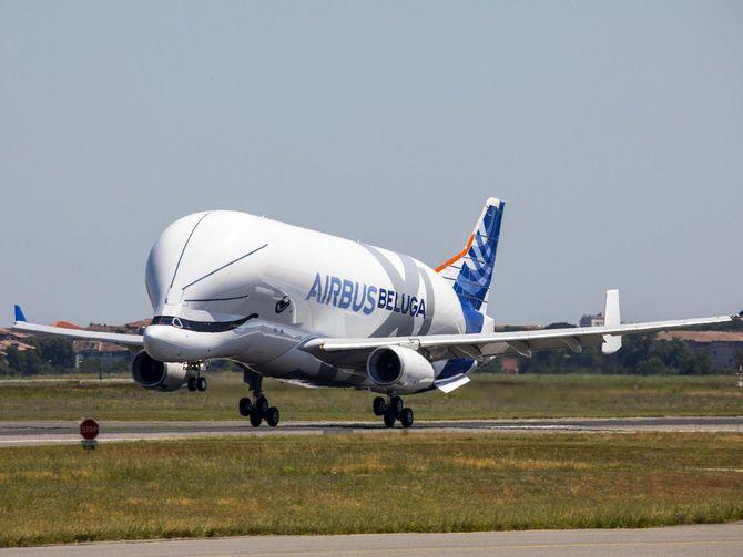 Airbus' plane-eating plane completes maiden flight https://t.co/VU5QFvs855