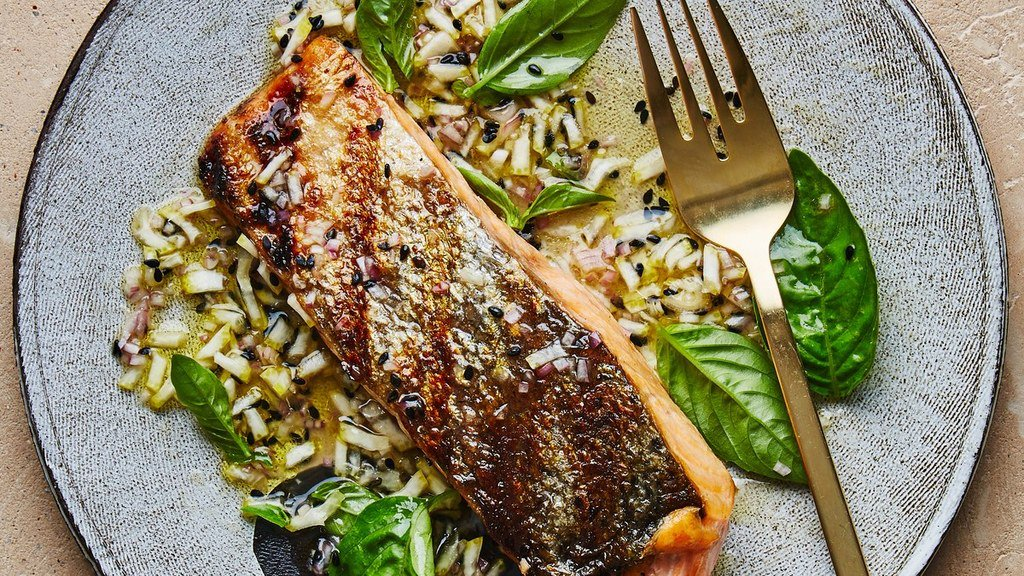Grilled Salmon https://t.co/dFXPe43dpR / #food #foodie #recipe #recipes #yummy #cooking #foodporn #ff https://t.co/omFNwWHOMr