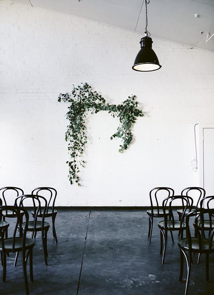 Stylish, relaxed warehouse wedding: https://buff.ly/2LrU8vY #homelifeloves #weddingspic.twitter.com/XLWTA97o67