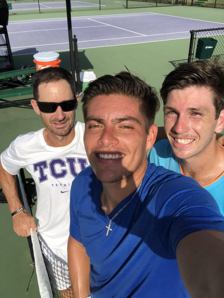 Dude on the left is creator of the squirrel 🐿🐿🐿🐿 @jerlope @dangerfish1972 @TCUMensTennis @TCU_Athletics #gofrogs