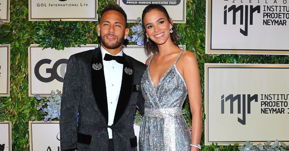 Neymar rebate desvalorização pós-Copa e pai endossa: 'por que mudar?' https://t.co/qJ2bEMWIbT