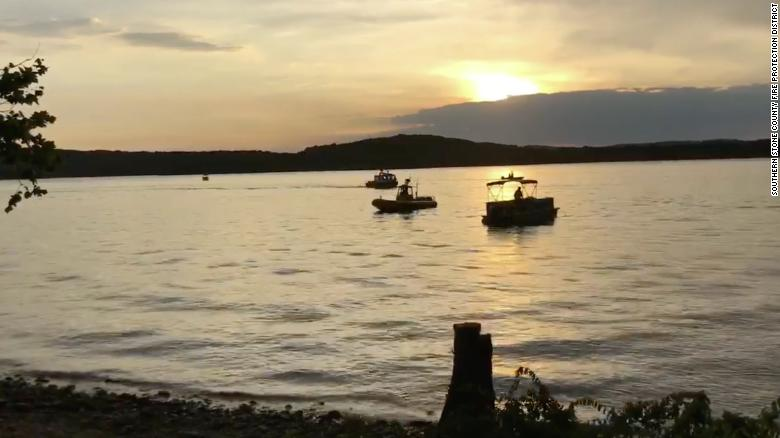 "Death toll rises to 13 in duck boat incident near Branson, Missouri. The governor says ""there are still people in the water"" as search and rescue efforts continue. https://t.co/Z7WWWFDtKH"