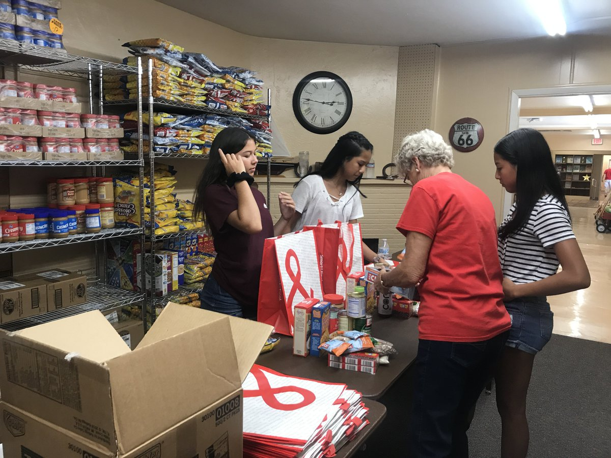 Such an incredible teen! Las Vegas teen celebrates 4 years of running food pantry by giving away more food https://t.co/9dg3ozpsz1