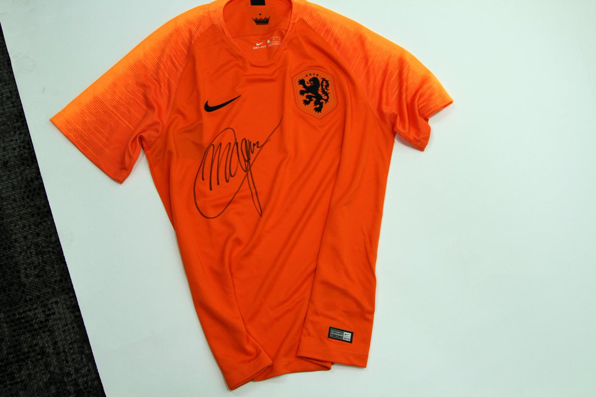 Win a Netherlands shirt signed by @MvG180.   To enter:  1. Follow @BetVictor.  2. RT this tweet.  3. Comment who will win the @PDC BetVictor World Matchplay.  Winner picked Tuesday.  🔞Ts & Cs 👉 https://t.co/TCiYfo1ikF