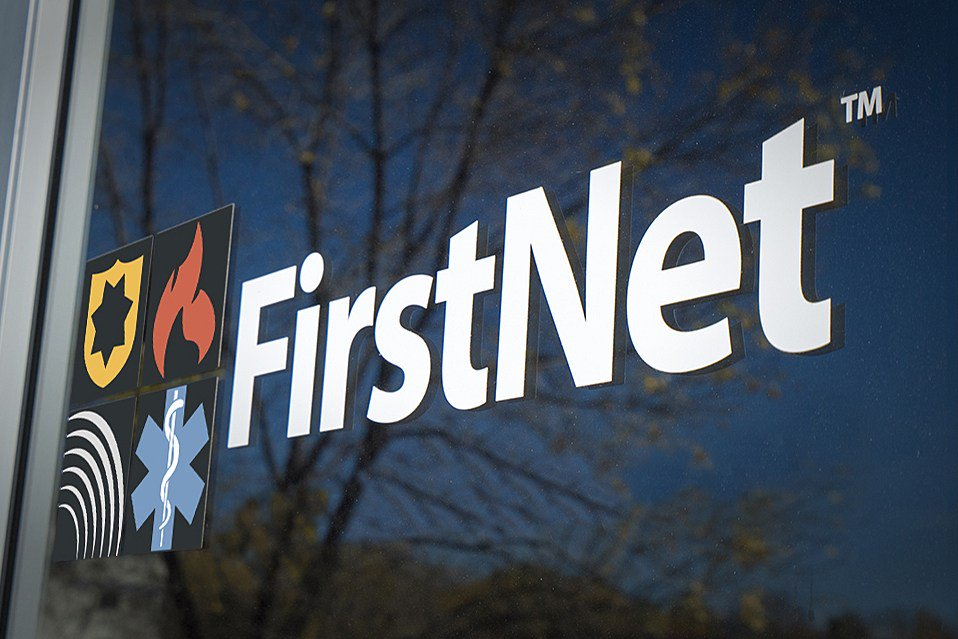 #US @FirstNet rollout gathers steam @ATT https://t.co/r8yE7RAJTw
