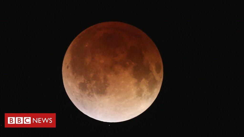 Maior eclipse lunar do século, 'lua de sangue' acontece na próxima sexta e poderá ser vista do Brasil https://t.co/ad5ussM5v4