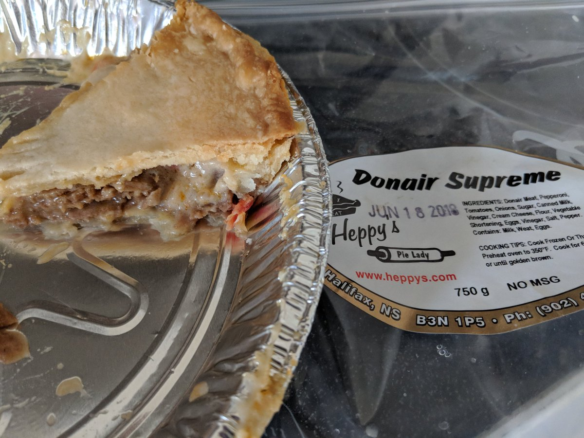 Raccoon At Home On Twitter This Donair Supreme Pie From Heppy S Is Legit Definitely Going Into Regular Rotation On My Convenience Food List