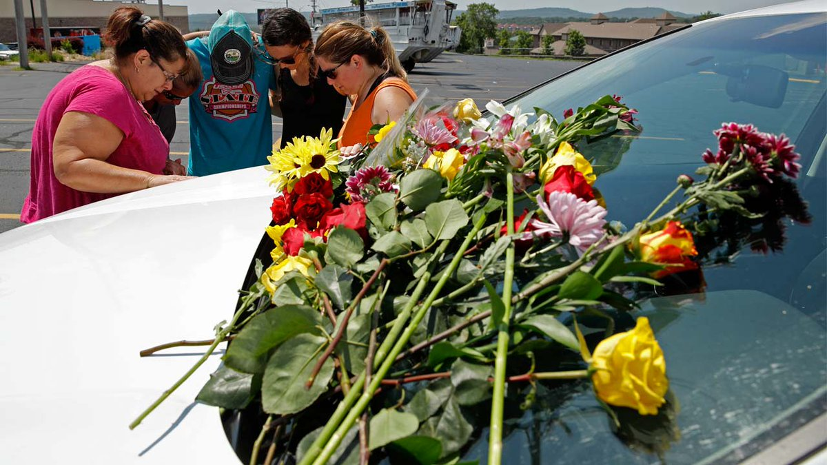 #BREAKING 9 of 17 people who died in duck boat accident are from same family, Missouri governor's office says https://t.co/LyKlhBf6rj