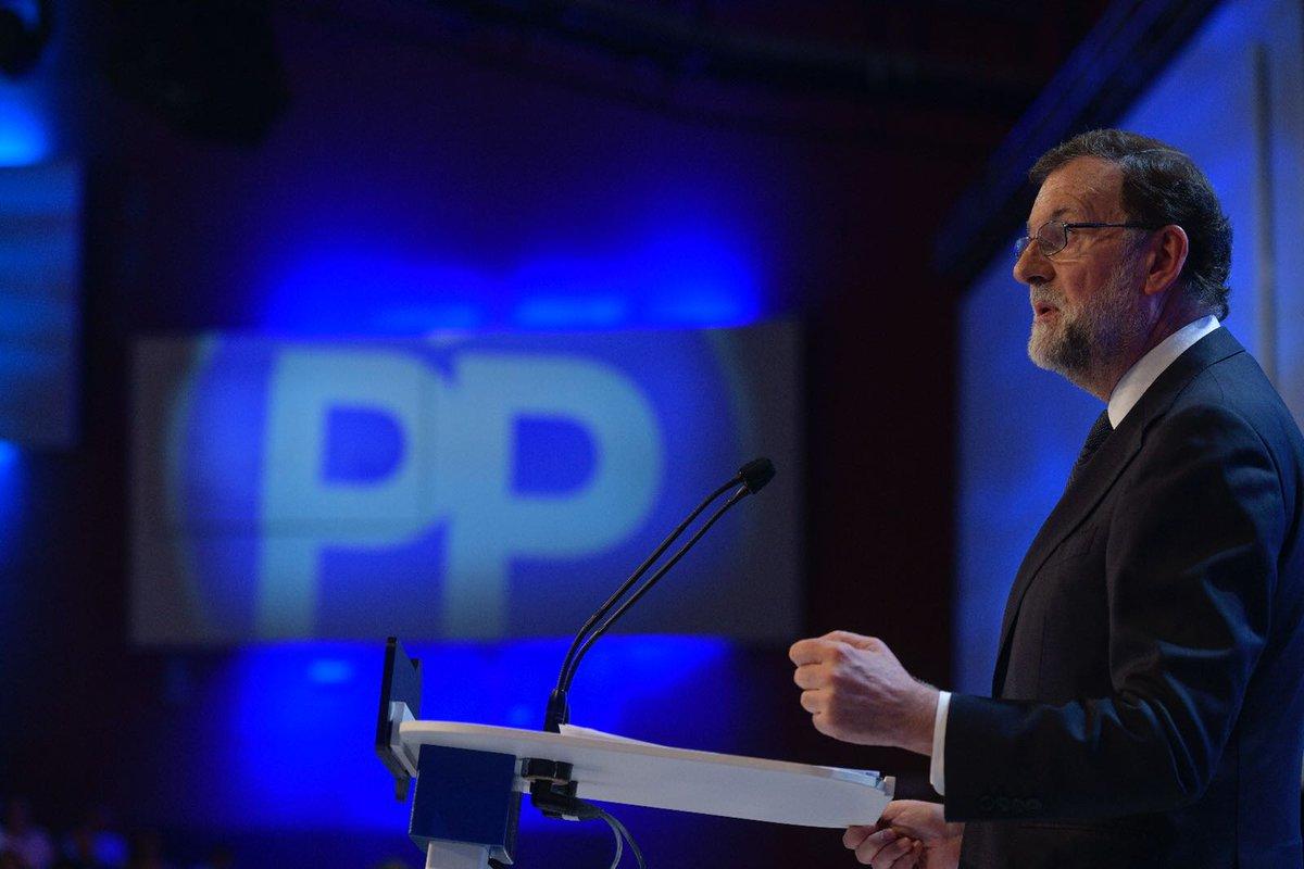 El desafío de Cataluña ha sido uno de los más graves a los que nos hemos enfrentado los españoles. Aplicamos el art. 155 de la Constitución y hoy todos sabemos que la democracia española puede defenderse con el arma más democrática y contundente que existe: la ley. #19CongresoPP